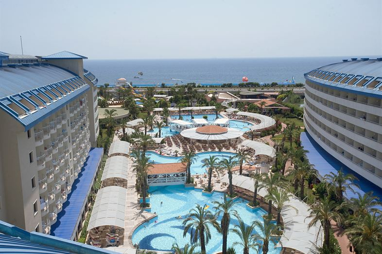 Crystal Admiral Resort Suites & SPA \ Informatie
