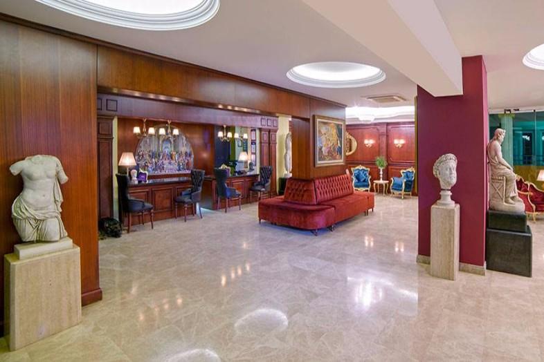 Hotel Antique Roman Palace