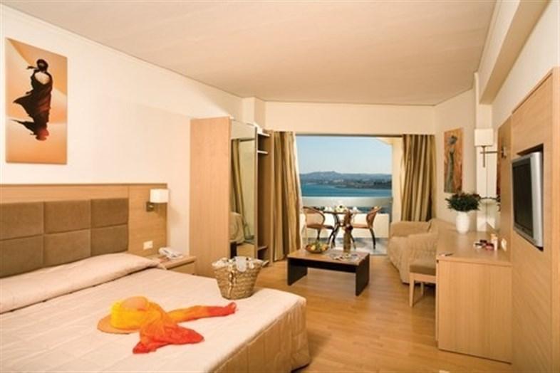 Lomeniz Hotel
