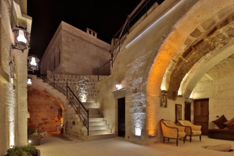 Yaren Cave House