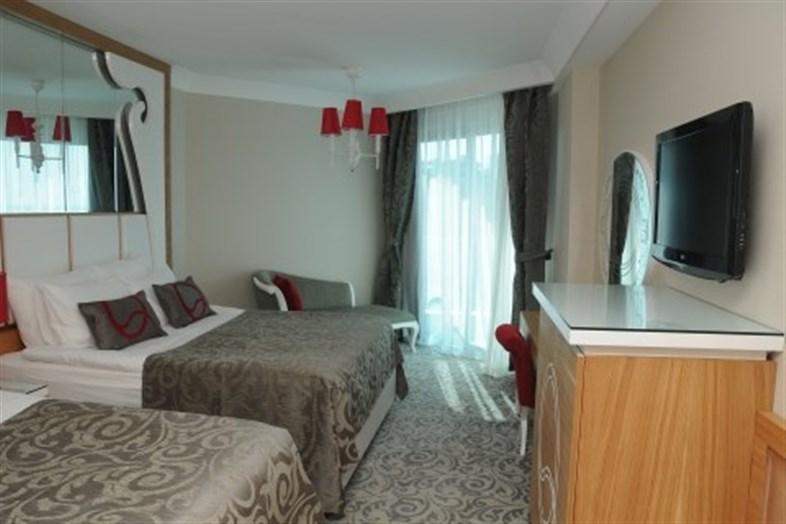 Hotel Q Premium Resort