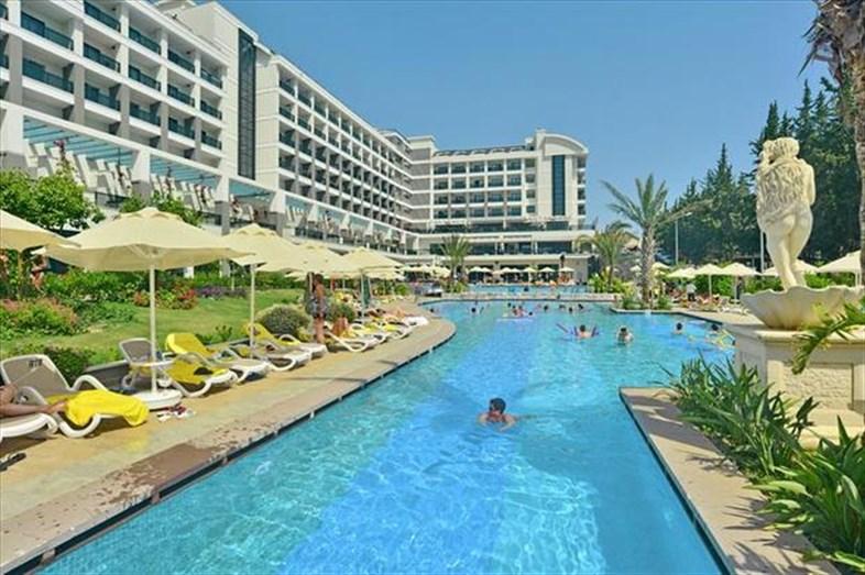 Side Valentine Resort & Spa