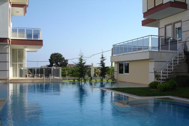 Villa Side